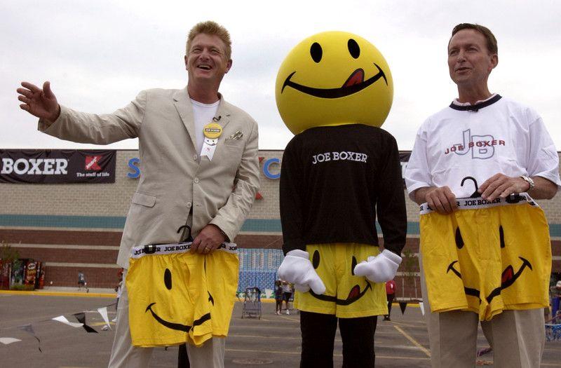 Description of  Kmart Chairman and CEO Jim Adamson (right) and - ceo description