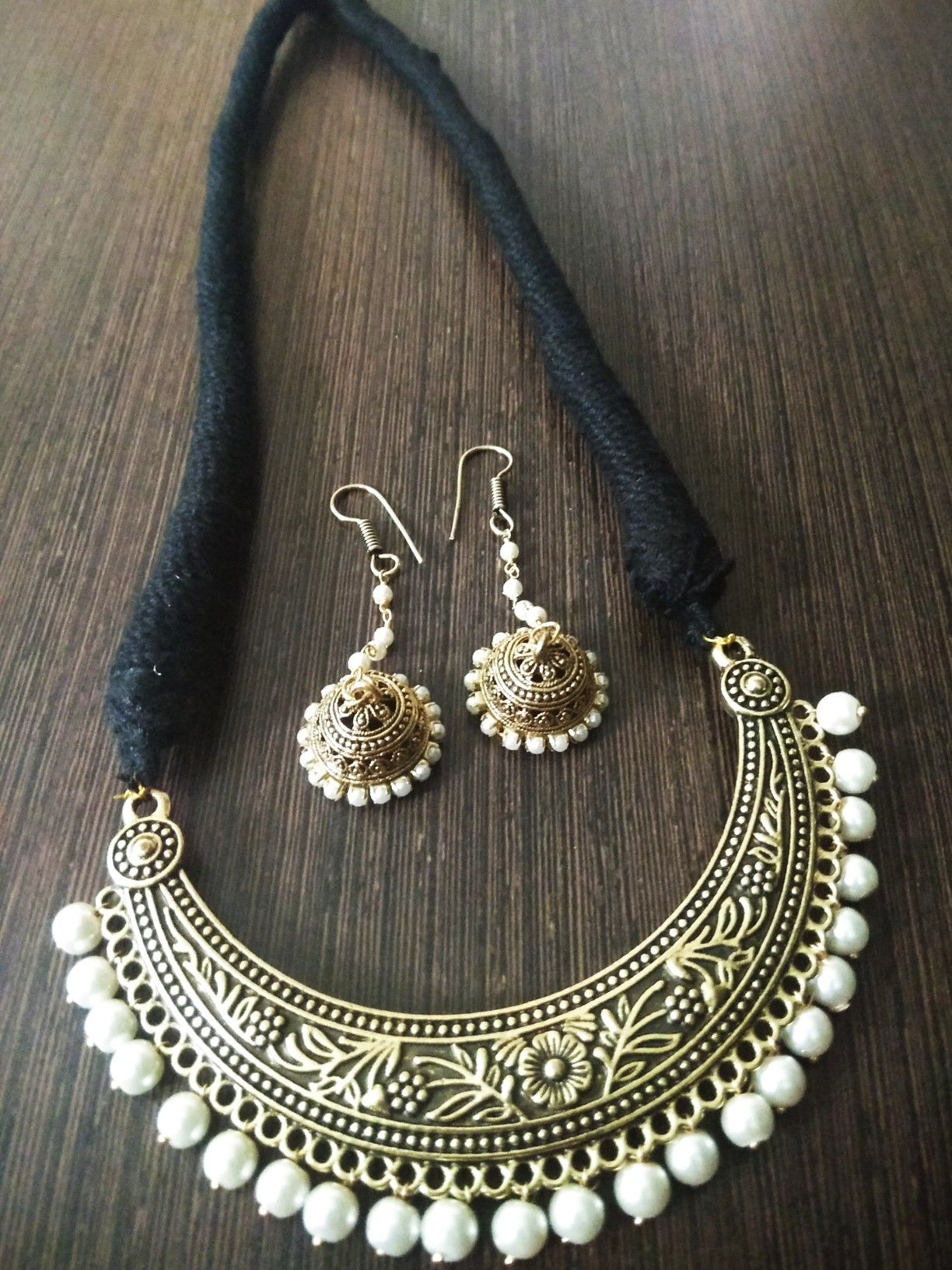 Pin By Lakshmi Nelakanti On Dori Necklace With Images Handmade Beaded Necklaces Beaded Jewelry Designs Jewelry Design Earrings