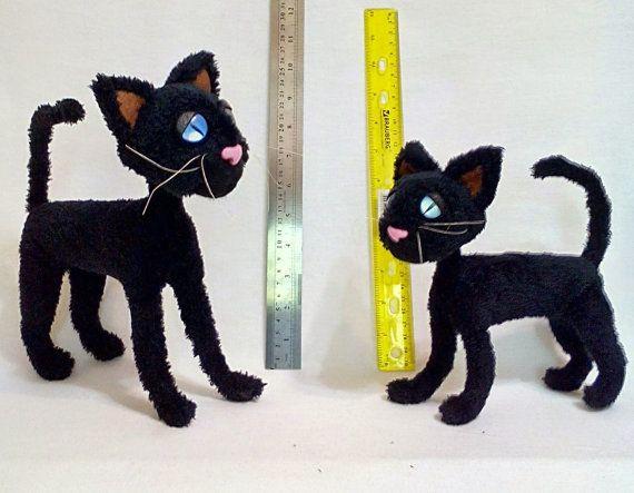 Peluche de gato de Coraline por SincereMasterpieces en Etsy