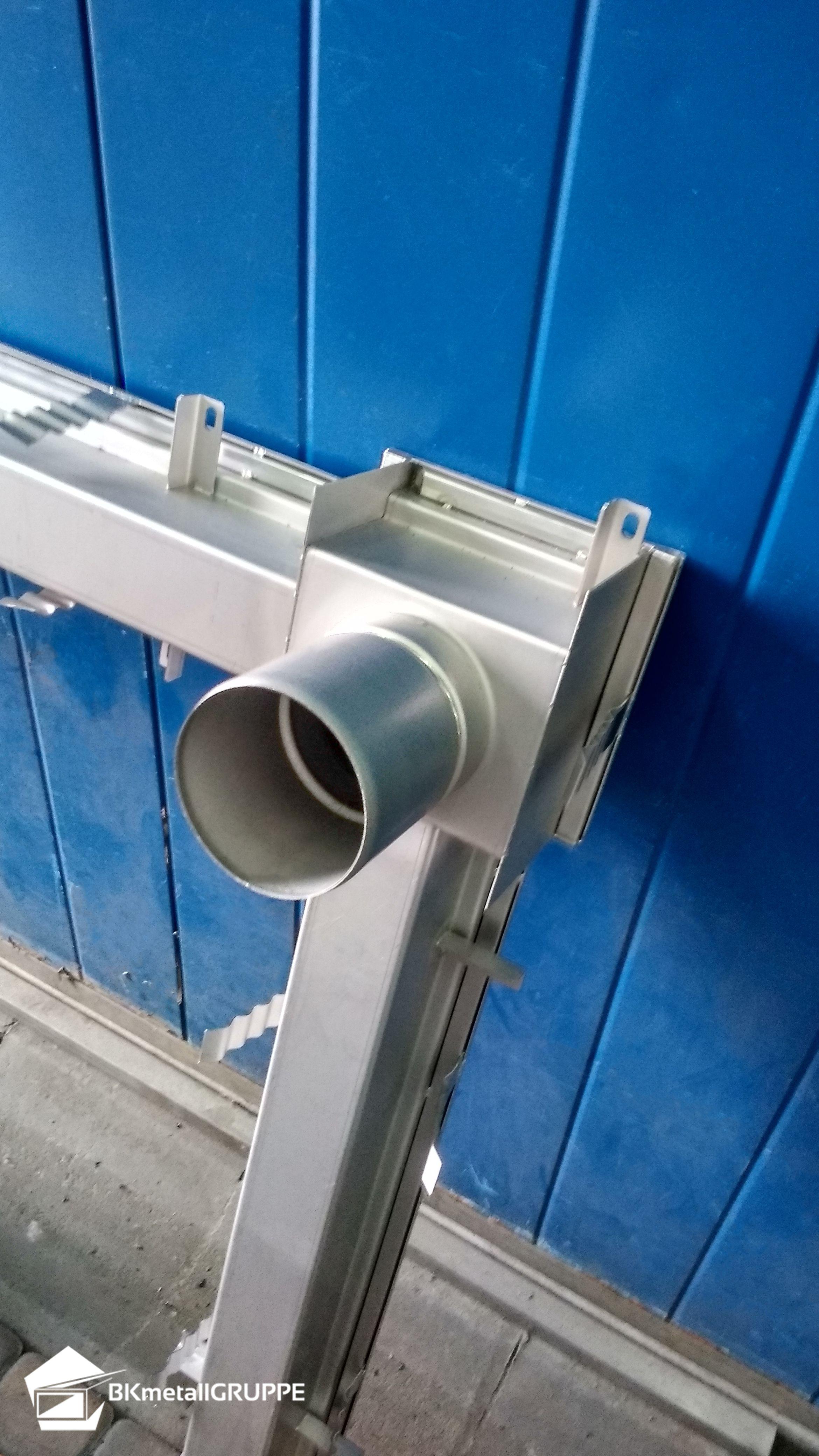 Edelstahl Kastenrinnen Mit Einem Verstärkungsprofiel Versehen Oder Bekommen Auf Wunsch Eine Ep Edelstahl Entwässerungstechnik Für Haus Und Industrie