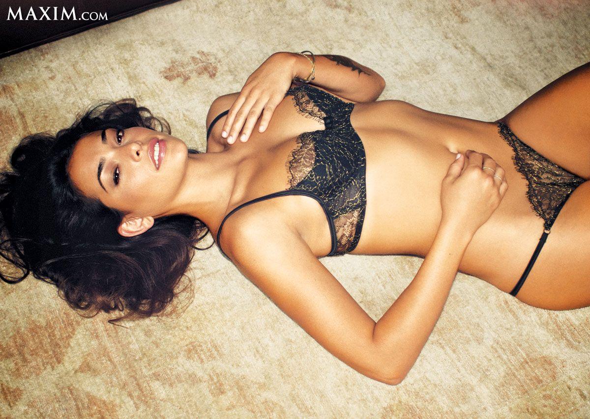 natalie-martinez-leaked-images-big-boob-lover-double