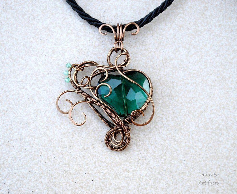 Emerald green heart wire wrapped pendant - OOAK by IanirasArtifacts ...