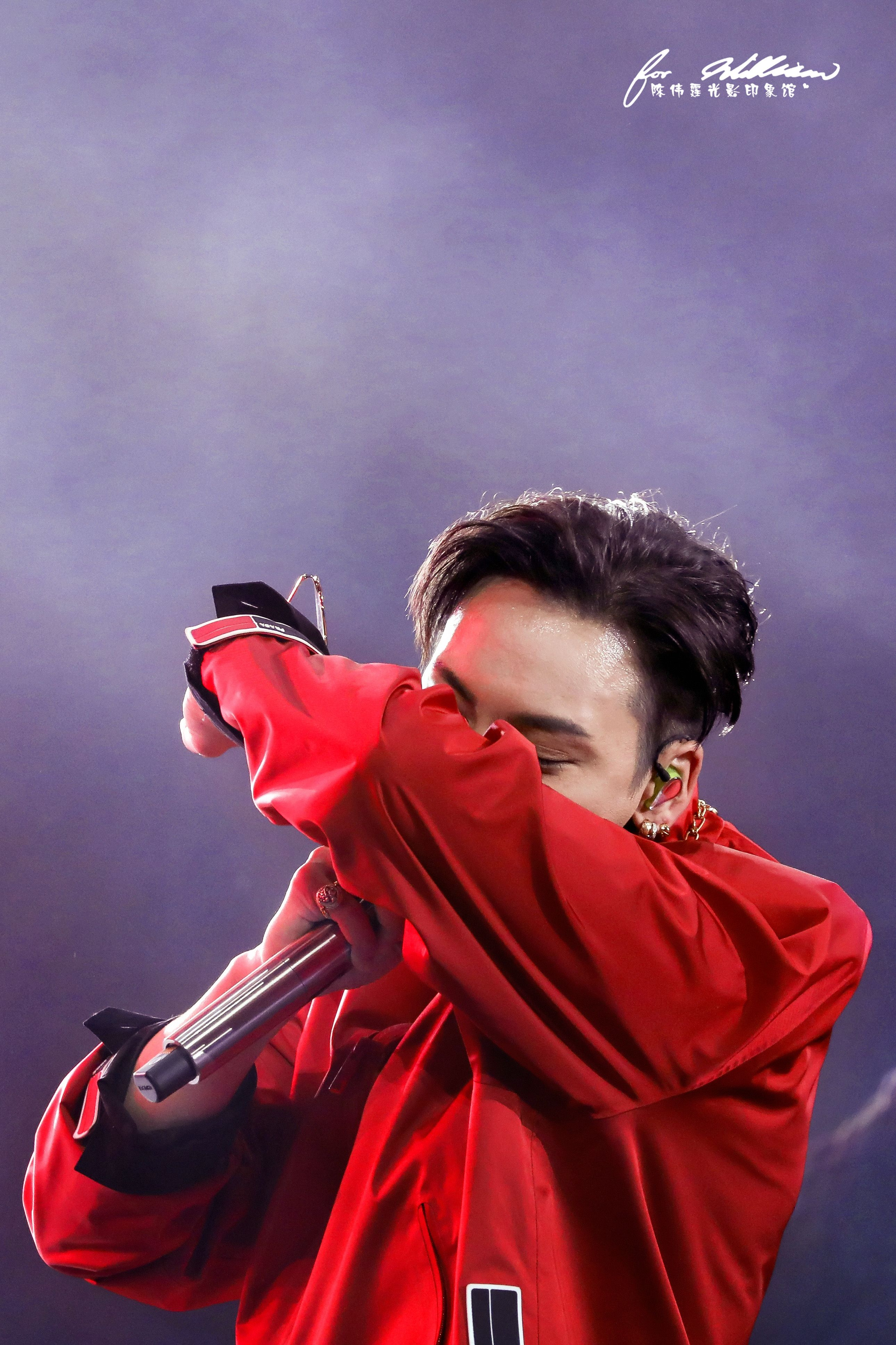 William Chan Fanpics Dragon TV New Year's Eve Show Dec