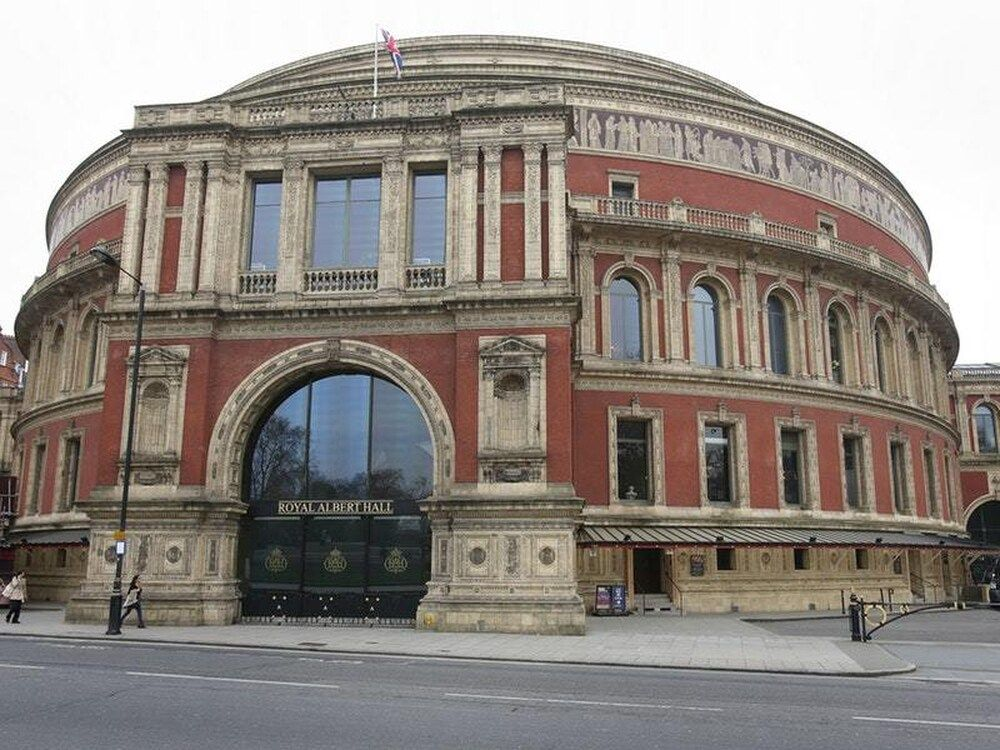 Fachada del Royal Albert Hall, frente al Royal College of Music