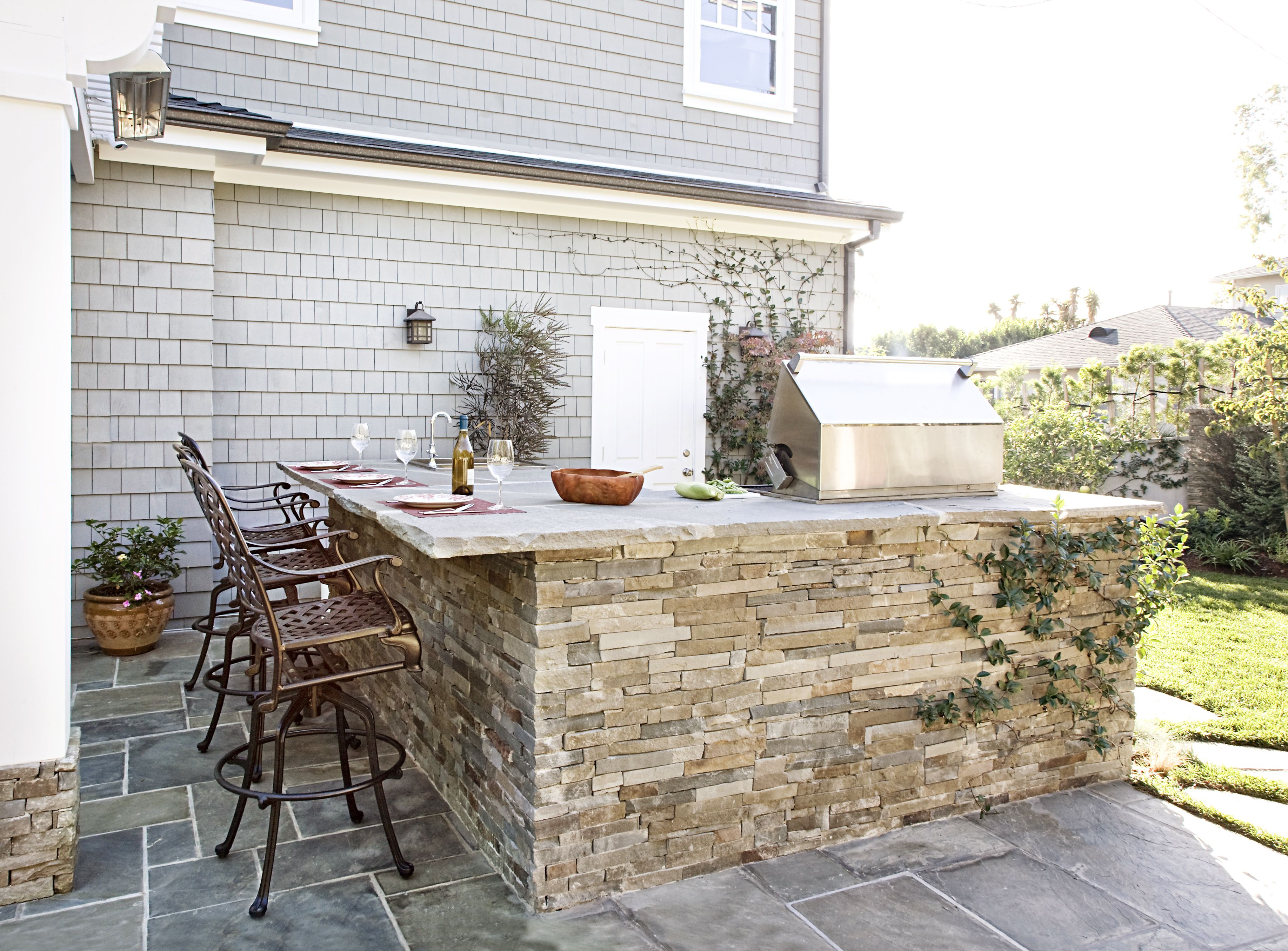 Read this before you put in an outdoor kitchen in house