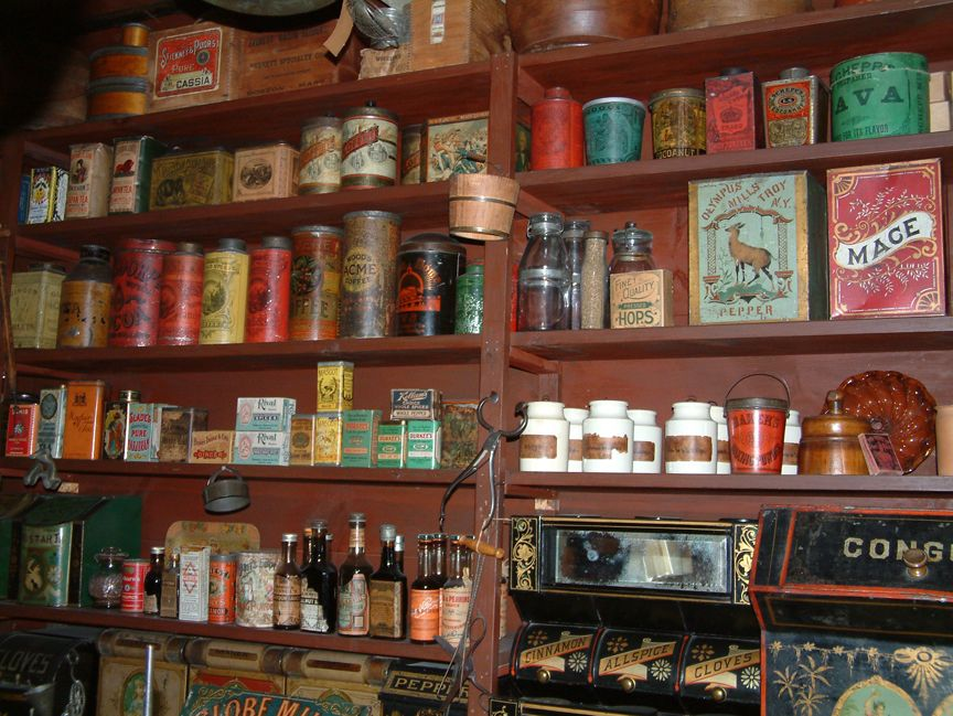 Vermont Country Store Miniature general store, Country
