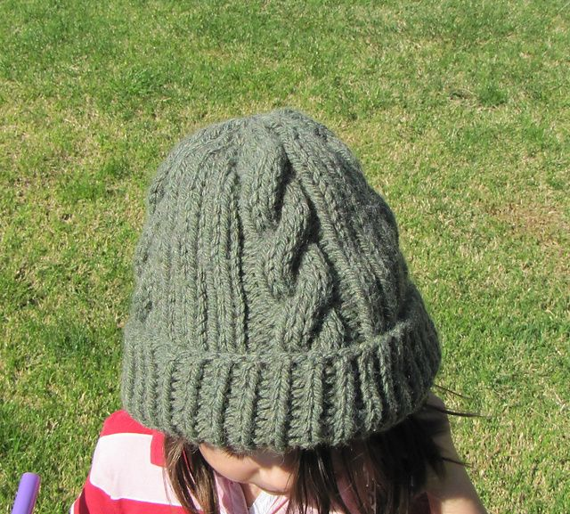 Ravelry Easy Ribbed Cable Hat Pattern By Leann Bauer Tejer