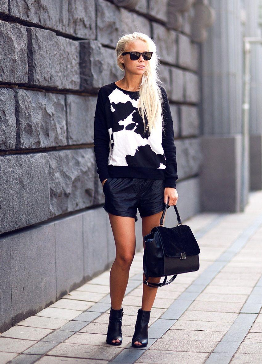 oh good top #VictoriaTornegren. pay that shorts/booties situ too.