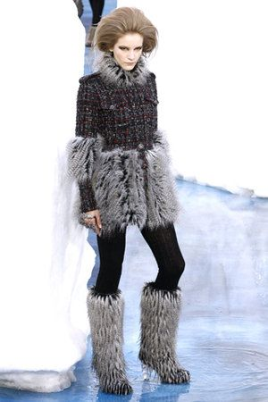 Chanel Fall 2010 RTW Tweed and Fur Coat Profile Photo