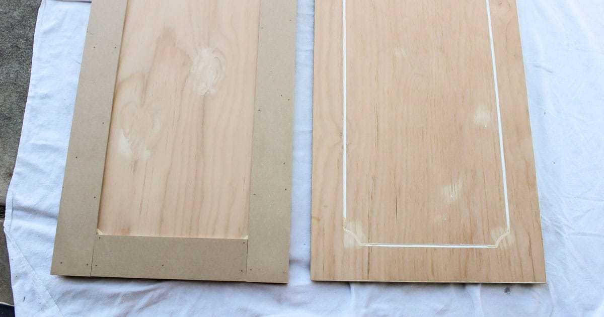 Update Kitchen Cabinets for Cheap is part of Cheap cabinet Makeover - Are you wondering how to update your kitchen cabinets on a budget  This is a simple way to make your cabinets look modern with paint and trim