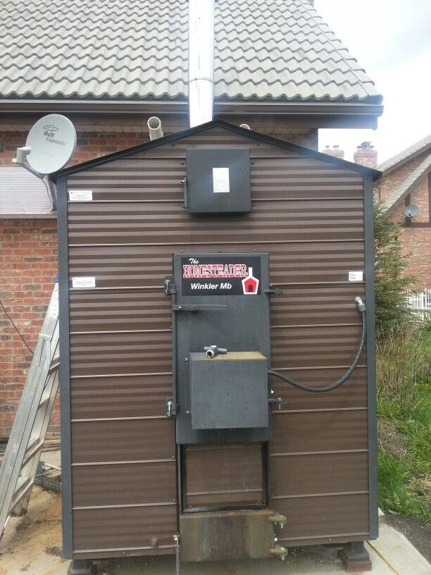 Homesteader 600mbh Outdoor Wood Boiler Combined With 2 Lochinvar Knight Kbn500 Condensing Boilers Controlled By A Tekma Outdoor Stove Outdoor Outdoor Wood