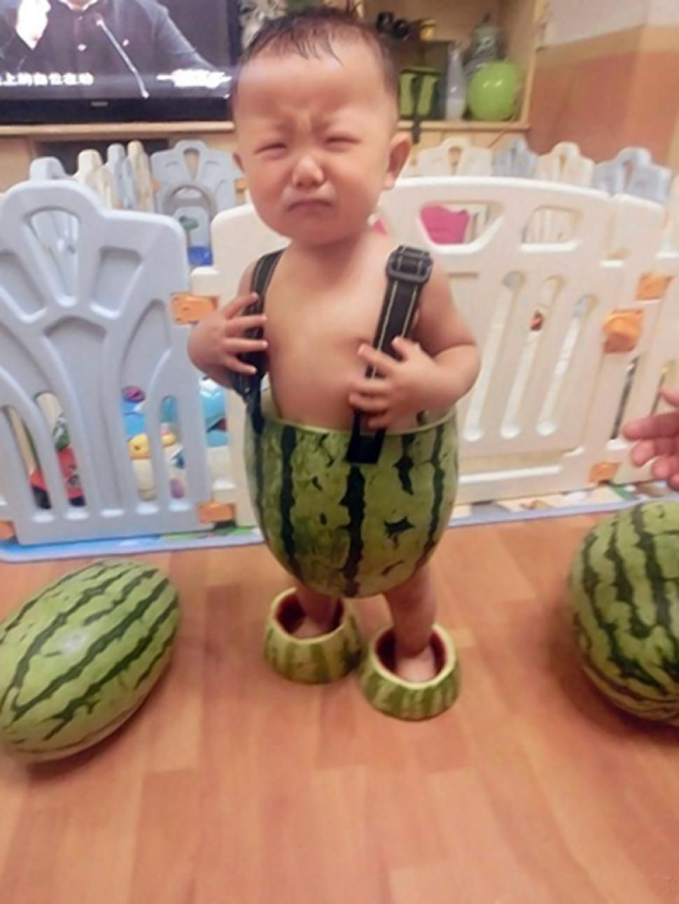 Photos Of A Baby Wearing Watermelon Pants Go Viral Ny Daily News