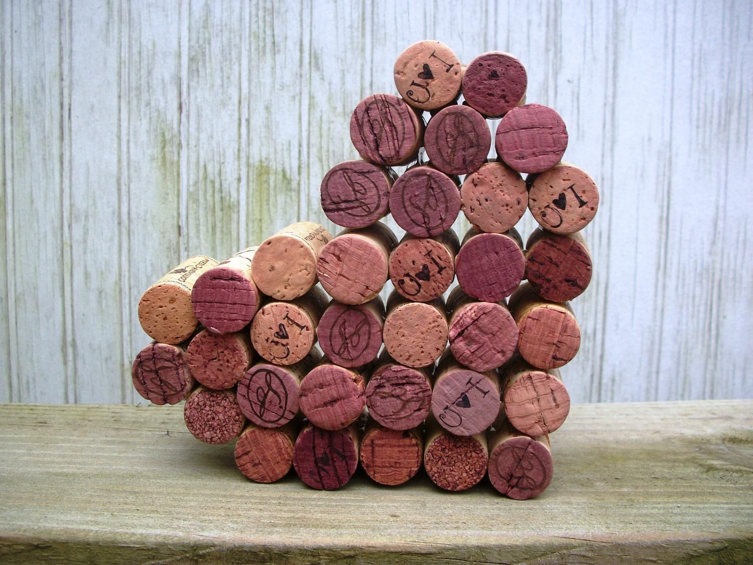 Ruselle S Blog Wedding Place Card Holders In Wine Cork Crafts Cork Crafts Wine Cork Art