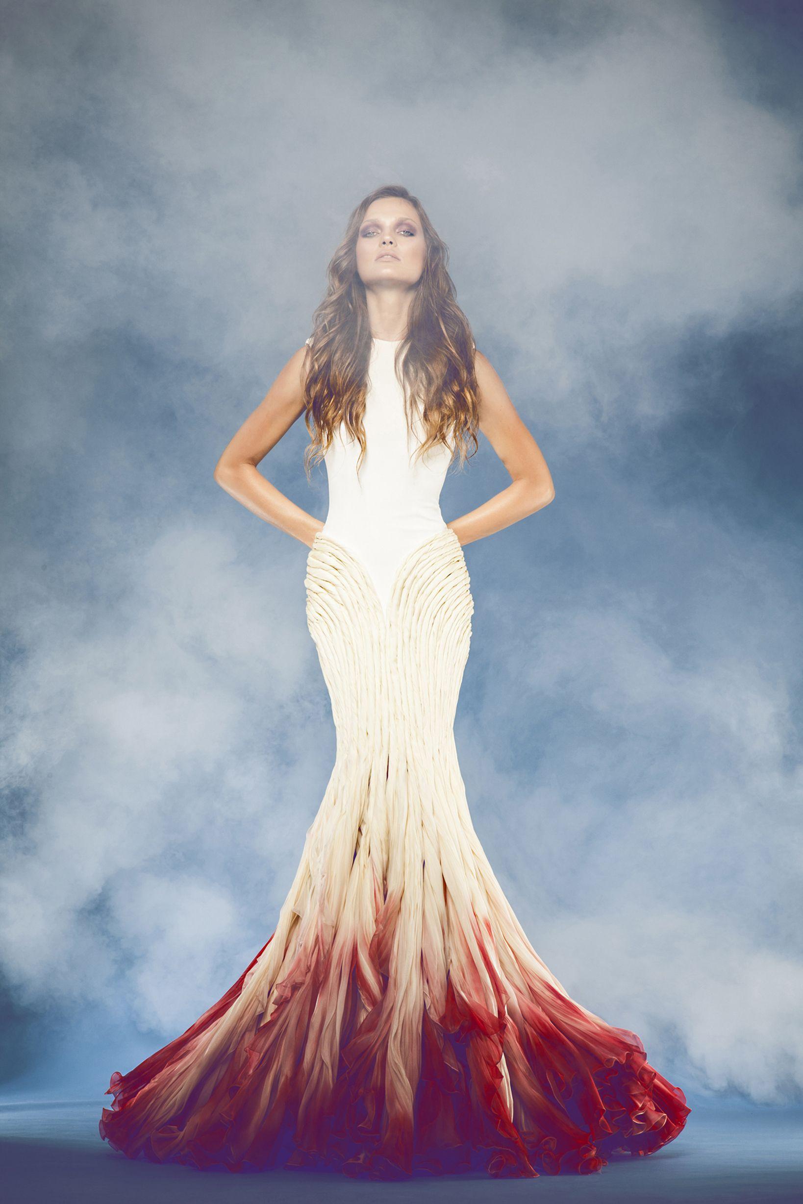 Ombre wedding dress. Wow! Non white wedding dresses