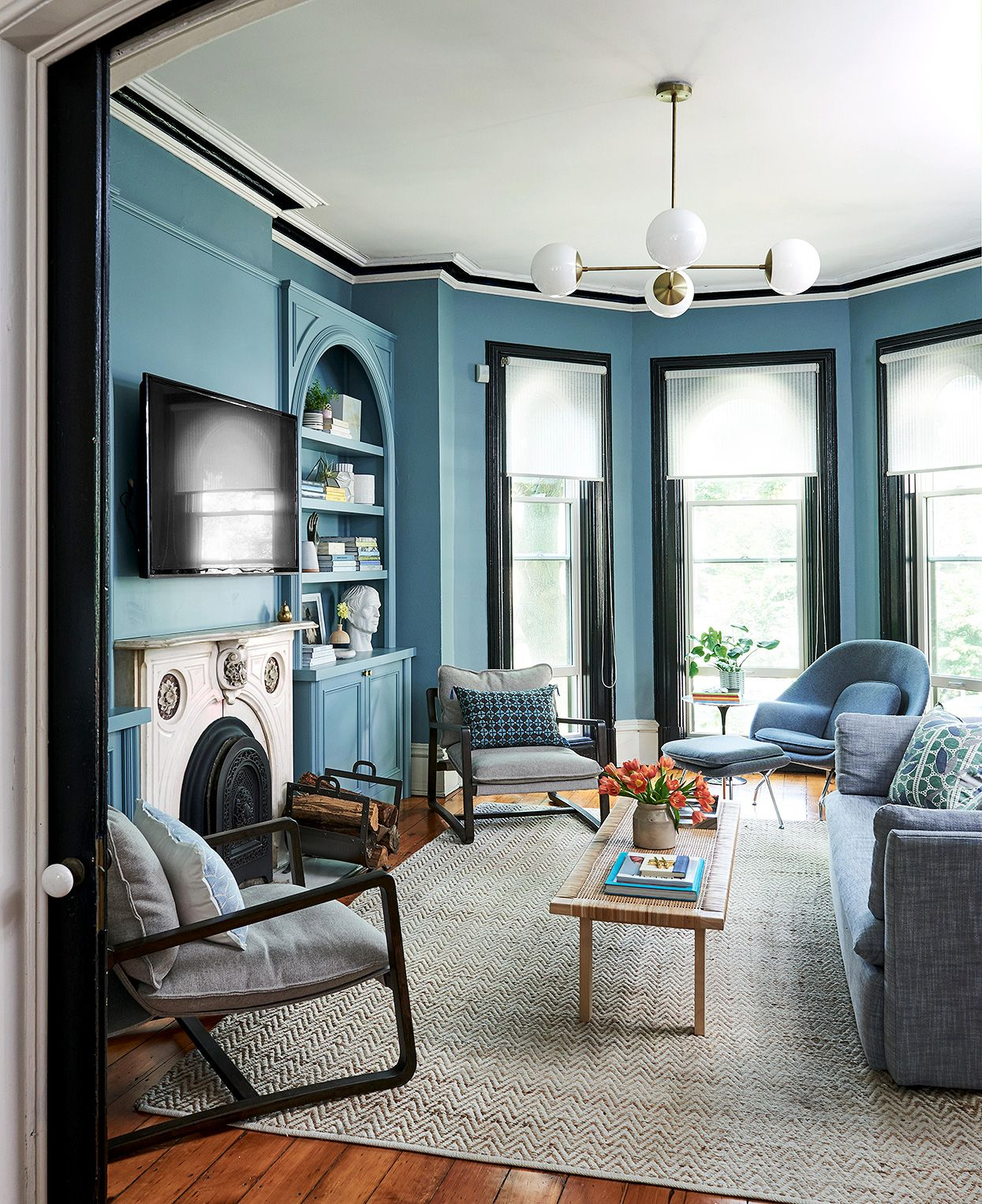 Bold Blues And Patterned Wallpaper Make This 19th Century H