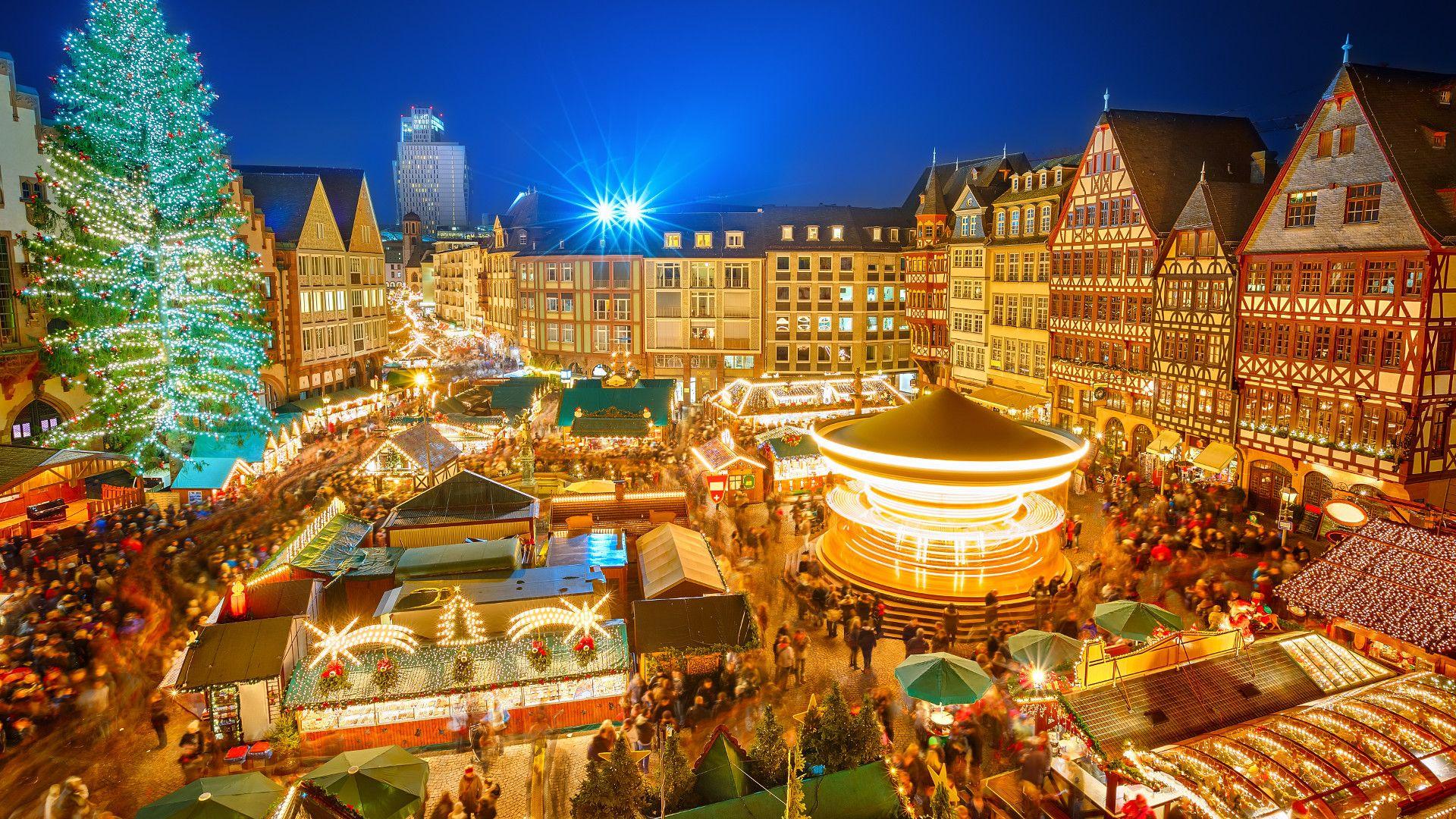 Visitez le marché de Noël de Bernkastel-Kues où de Trèves, où trône le plus grand calendrier de l'avent de la région et séjournez 2 nuits en demi-pension avec un verre de bienvenue, une boîte de coeurs pralinés au chocolat et bien plus !  http://travelbird.fr/27890/moselblick-wintrich/
