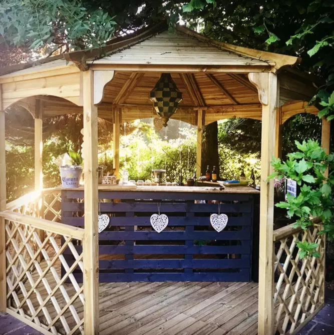 25 Clever Outdoor Bar Ideas to Steal for Your Own Backyard