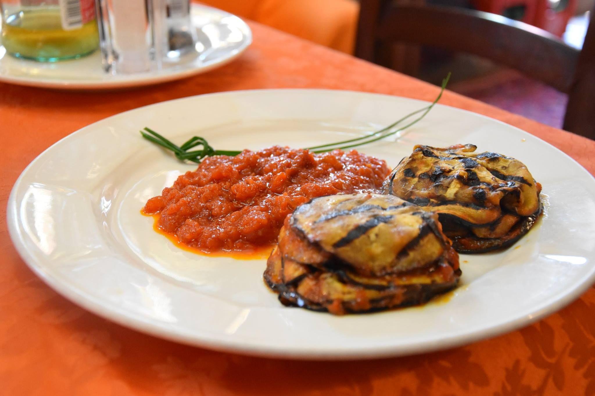 #AlPostiglione vi propone una cucina genuina ed espressa, ingredienti freschi e buoni. Venite a trovarci e saremo lieti a cucinare per Voi. Per info e prenotazioni: 0425.21777 www.alpostiglione.it #ristoranterovigo #ristorantecarnerovigo #ristorantirovigo