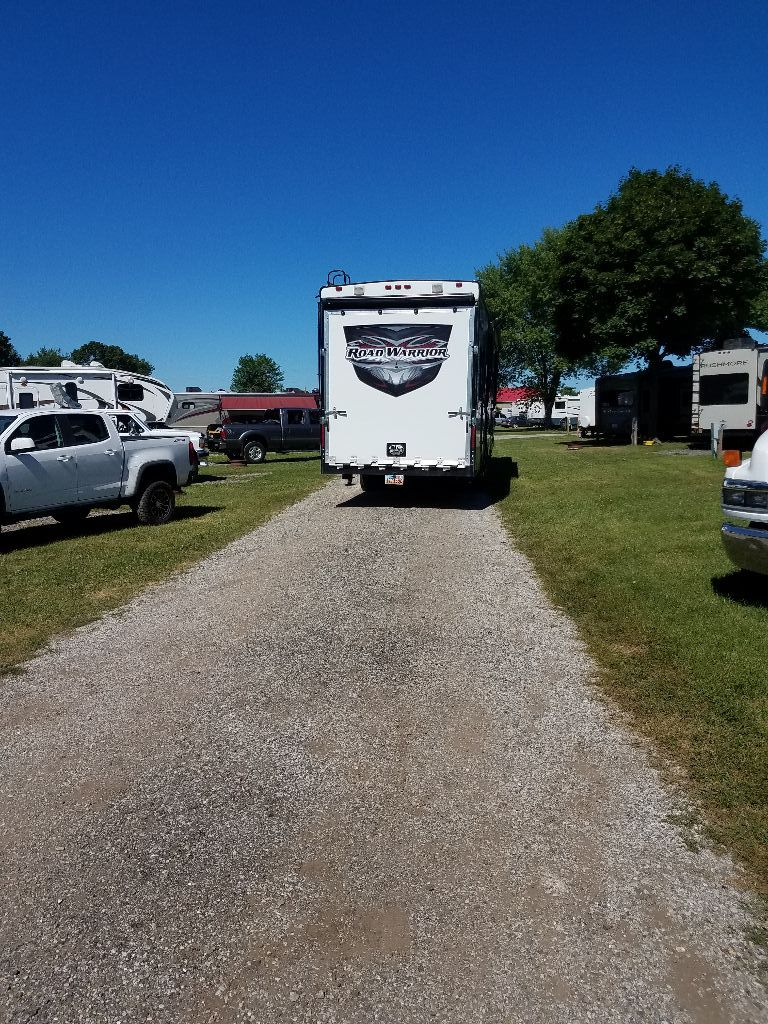 Friends & Family Rally RV There Yet? Friends family