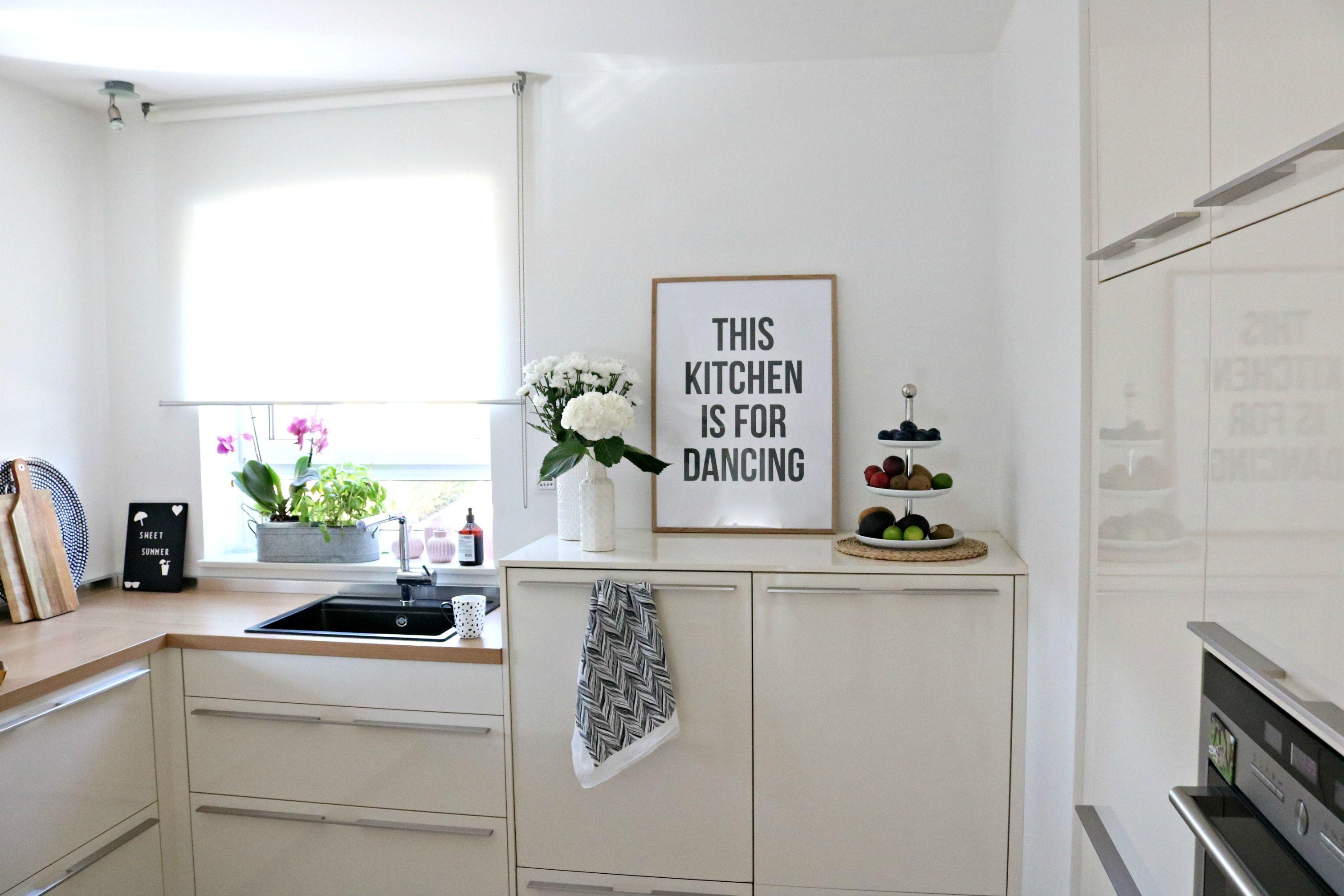 Lifestylemommy Interior Schones An Der Wand Von Desenio Schrank Kuche Kuchenprodukte Kuche