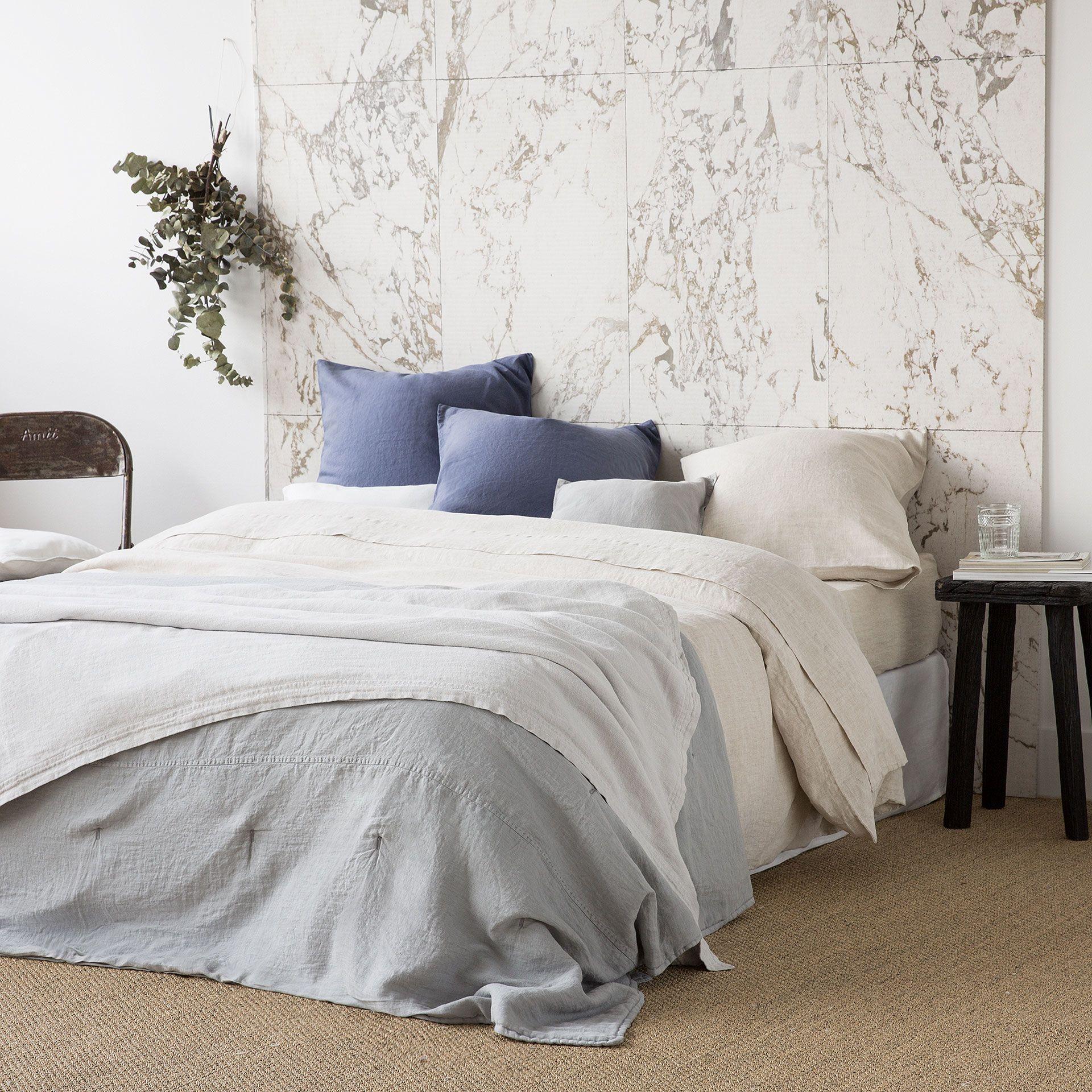 couvre lit et housse de coussin lin d lav couvre lits. Black Bedroom Furniture Sets. Home Design Ideas