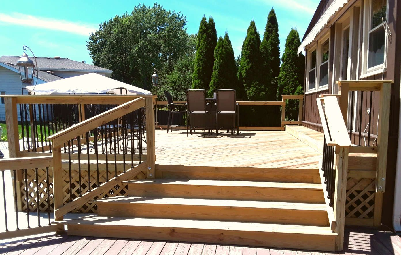 Elevated Wood Deck Design in Oak Forest