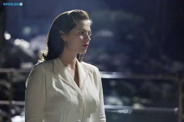 Peggy Carter || AC 1x01 Now is Not the End || 595px × 396px