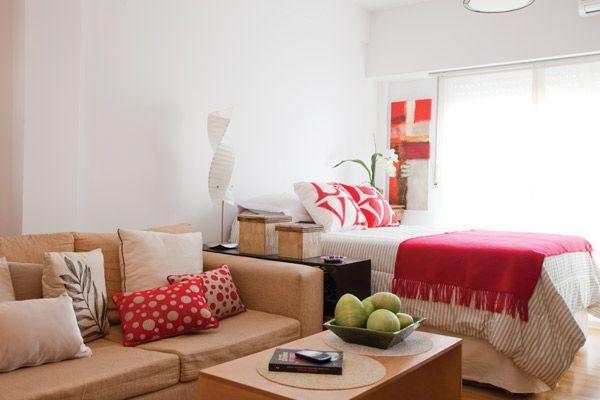 Nos metimos en un monoambiente de 27 m2 de una lectora de OHLAL  y  descubrimosDeco   aguante vivir sola    El espacio  Aprovechado y Algun. Revista Living Decoracion Monoambientes. Home Design Ideas