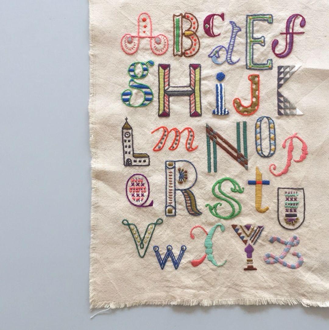 A T S U M Iさんはinstagramを利用しています 発売中雑誌 Next Weekend でアルファベットの刺繍をデザインさせてもらいました 休日を豊かにするアイデアがいっぱい Embroidery Handembroidery Broderie Alpha 刺繍 図案 刺繍 アルファベット