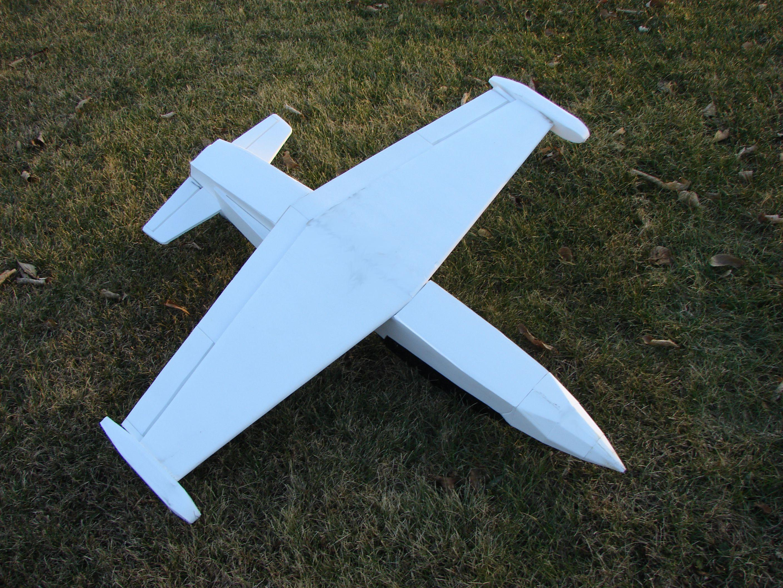 Check Out Grifflyers L-39 Albatros! (Free Plans) | drones
