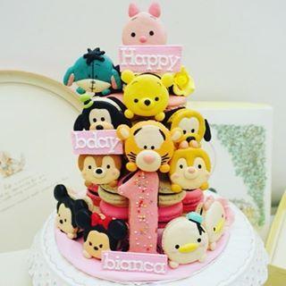 Tsum tsum birthday cake macaron macarons macaroon macaroons