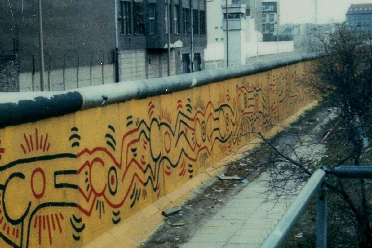 Top Keith Haring – Crack is Wack Mural JW06