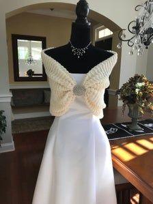 Ivory Bridal shawl/wrap/wedding shrug/Fall wedding/winter wedding/autumn wedding/rustic wedding/hand knit/capelet/shawl