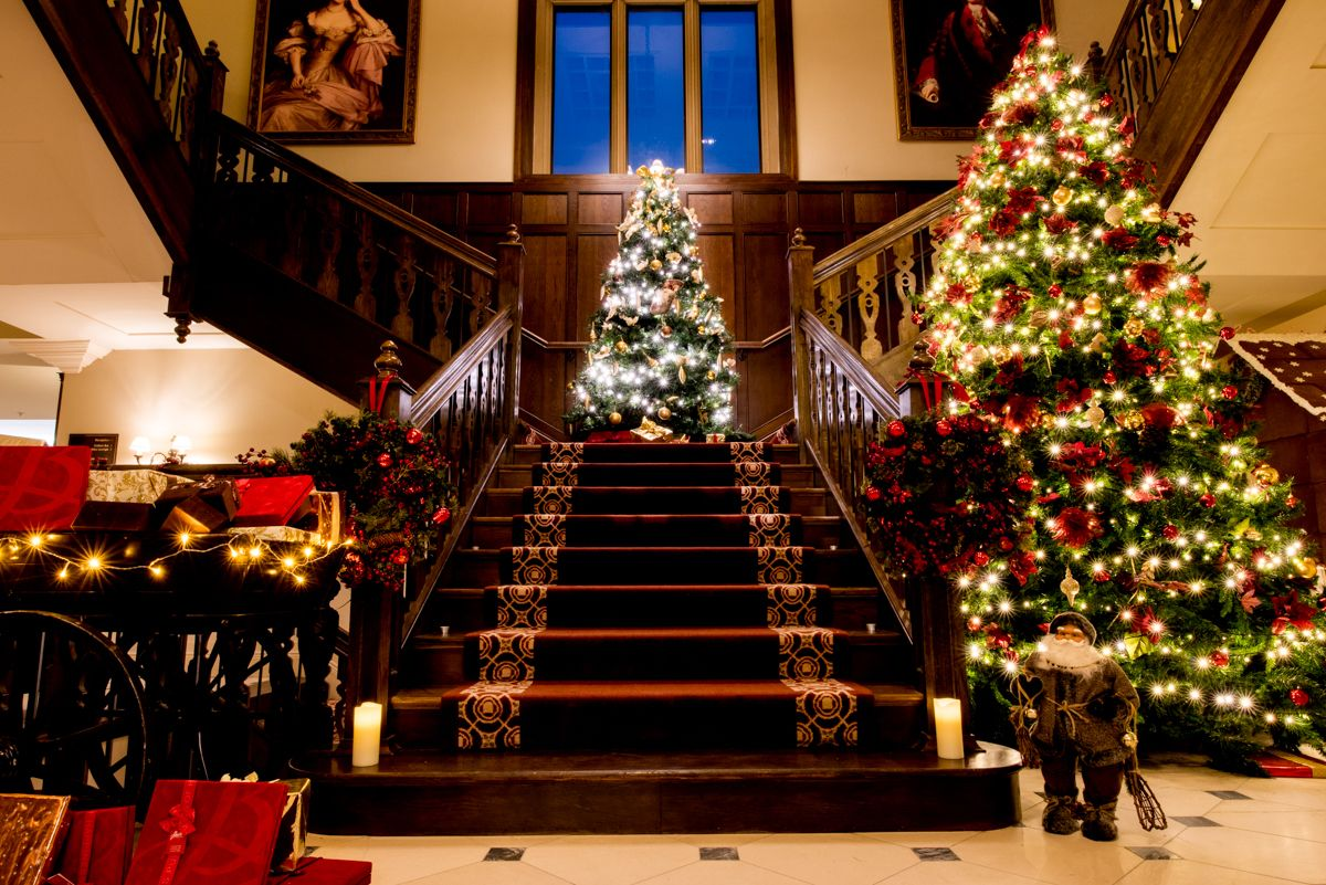 Decked Out Hotels In The U K And Ireland To Get You Into The Festive Spirit In 2020 Christmas In Ireland Britain Vacation Christmas Themed Cocktails