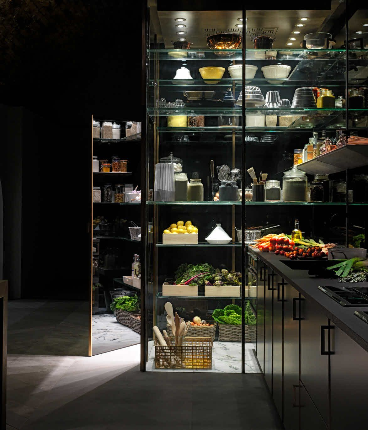 Grand Designs Kitchens: Electrolux Grand Cuisine & Poggenpohl Created The Ultimate