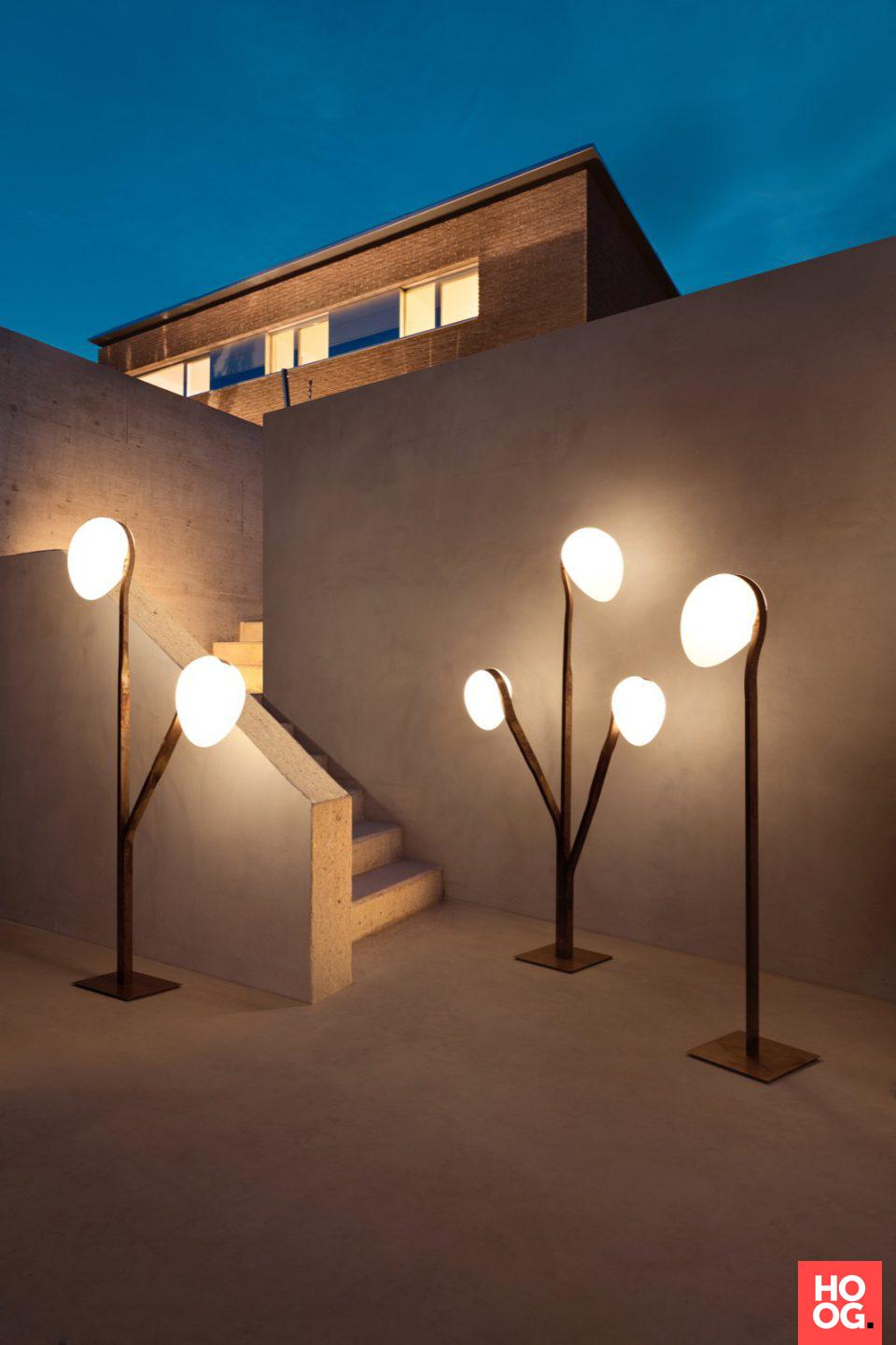 Luxe tuinverlichting in lounge tuin   lighting fixtures   design ...
