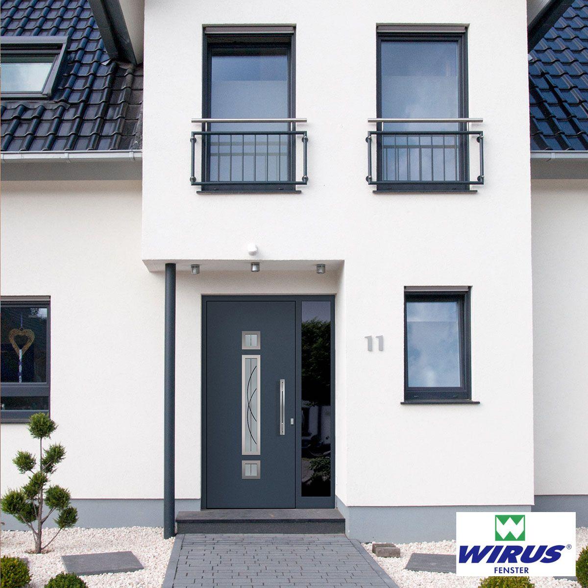 Anthrazit Sind Die Fenster Die Saule Und Naturlich Die Hausture Haus Streichen Fenster Anthrazit Haus
