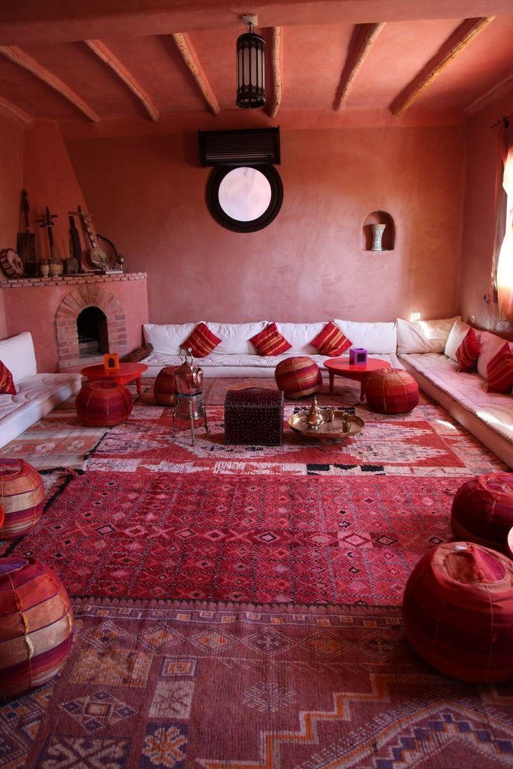 Pouf marocain, des clichés à en perdre la tête   Salon marocain ...