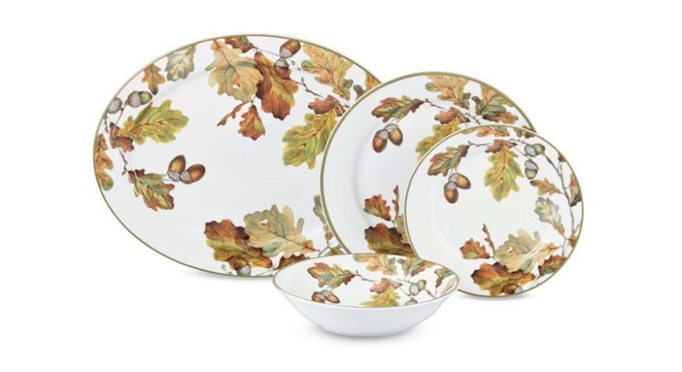 24 Plates Perfect For Setting The Thanksgiving Table Dinnerware