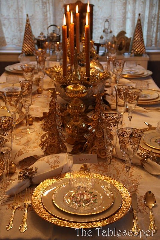 Gold & Sliver dinner table New Years Eve party ...