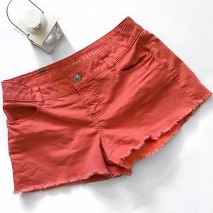I just discovered this while shopping on Poshmark: LC Lauren Conrad Coral Cut Off Jean Shorts. Check it out! Price: $25 Size: 6
