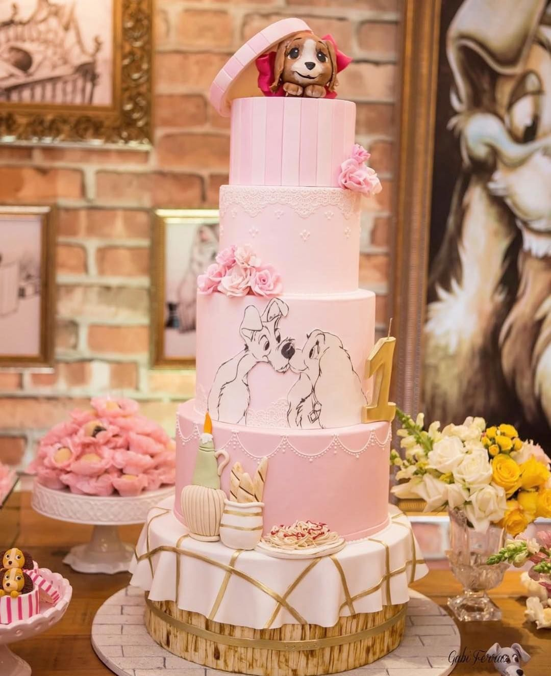 Lady The Tramp Cake Disney Cakes Fantasy Cake Lady And The Tramp