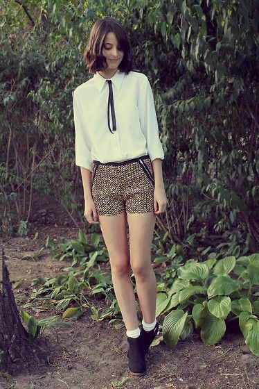 Golden shorts (by Nory Aradi) http://lookbook.nu/look/3884132-Golden-shorts