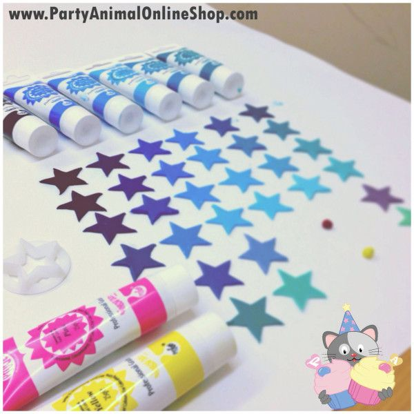 We love the Rainbow Dust Pro Gel Food Colours for cake decorating - food coloring chart