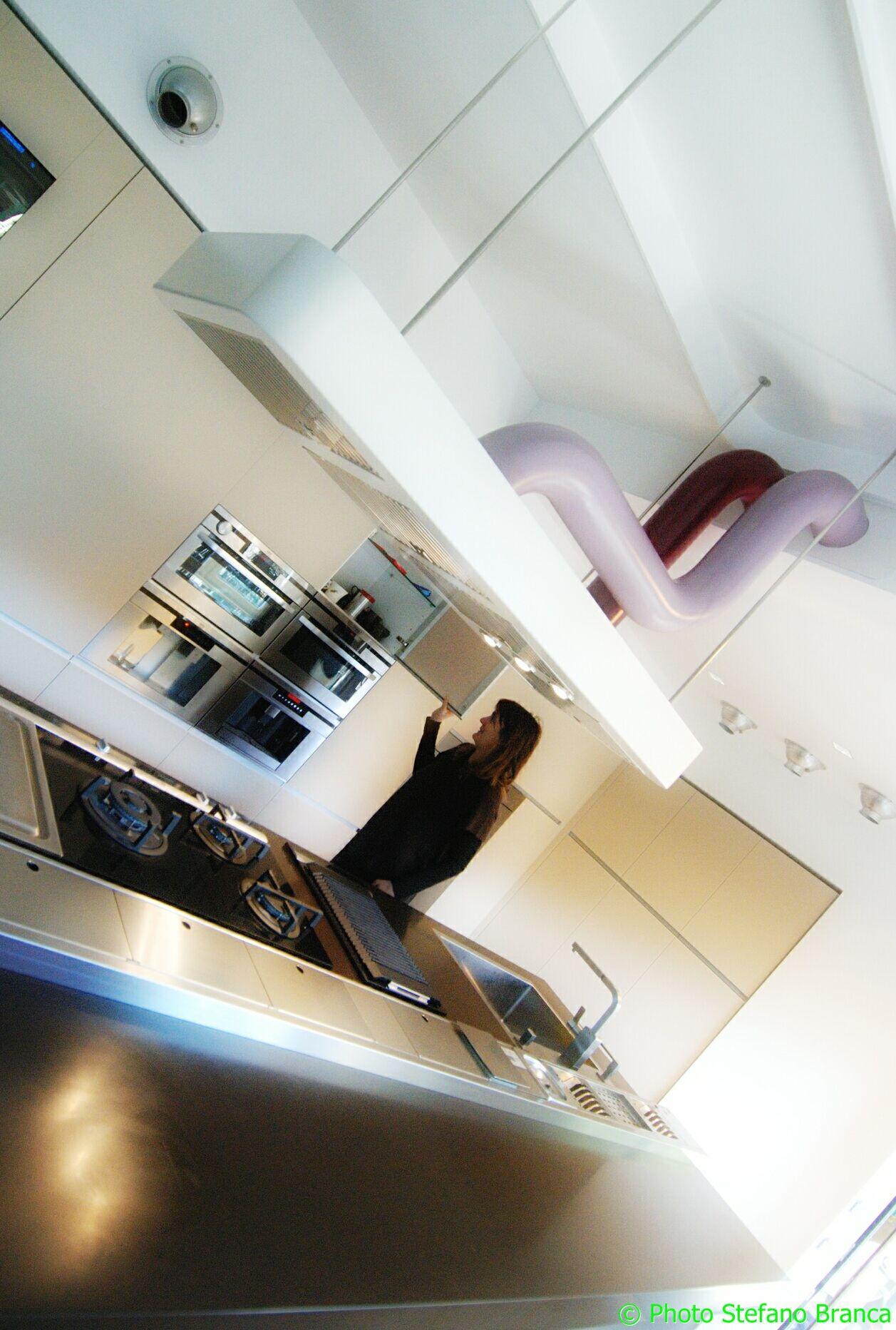 Abitazione privata casa delle mappe cucina a vista con - Canalizzazione aria condizionata ...