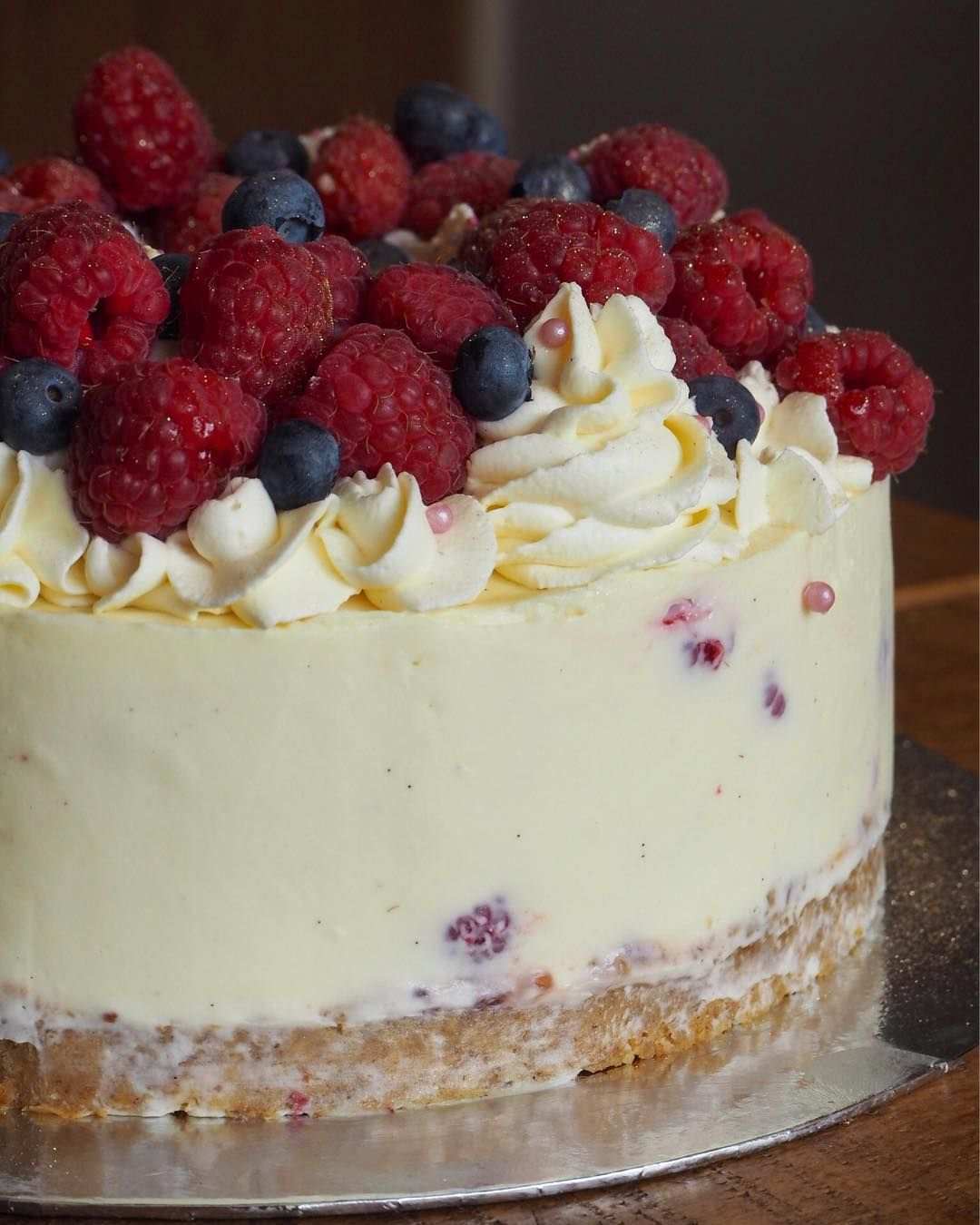 Mixed Berry Cheesecake #whitechocolateraspberrycheesecake
