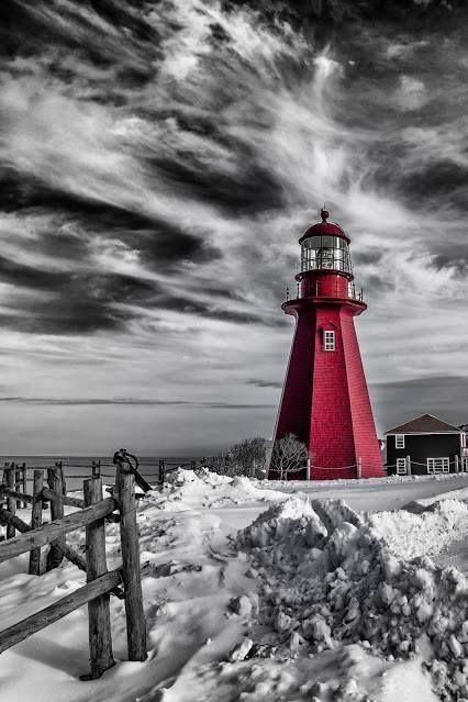 Lighthouse, Gaspésie, Québec, Canada | Color splash ...