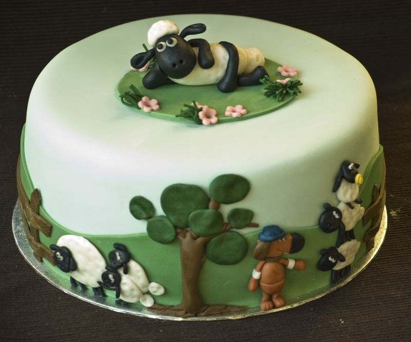 Cakes Pict Shaun The Sheep Cake Decorated Cakes Pinterest