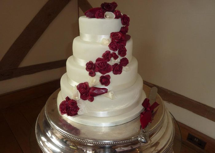 wedding cake with lilies and roses and calla wedding cake the big day 26922