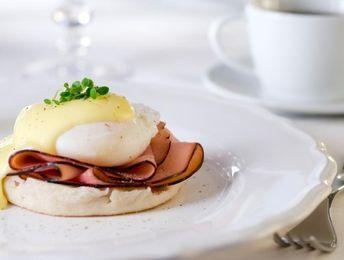 Eggs Benedict - 201 cal.